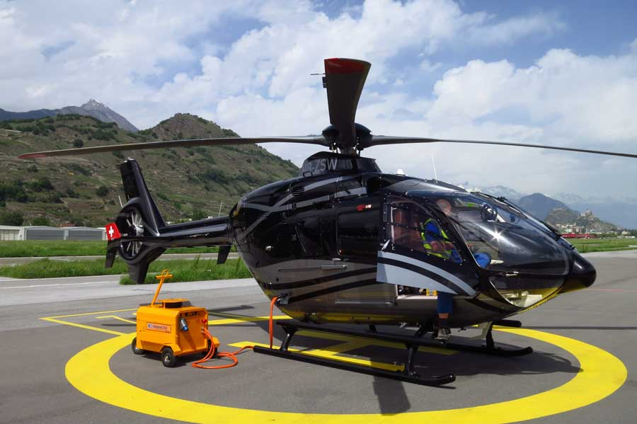 Coolspool 260 charging a helicopter
